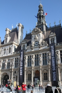 Patinoire de Hotel de Ville de Paris 2015 IMG_7521 Paris est Charlie